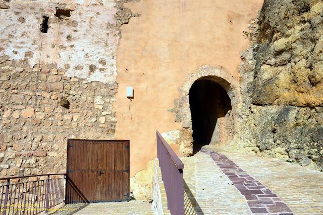 castielfabib-iglesia-fortaleza