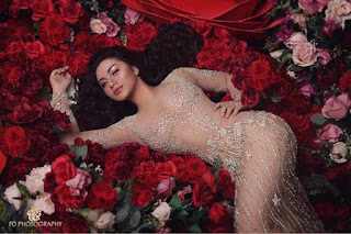 Gaya Seksi Artis Cantik Ariel Tatum