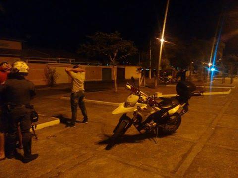 POLÍCIA MILITAR PRENDE TRAFICANTE NO CENTRO DE REGISTRO-SP
