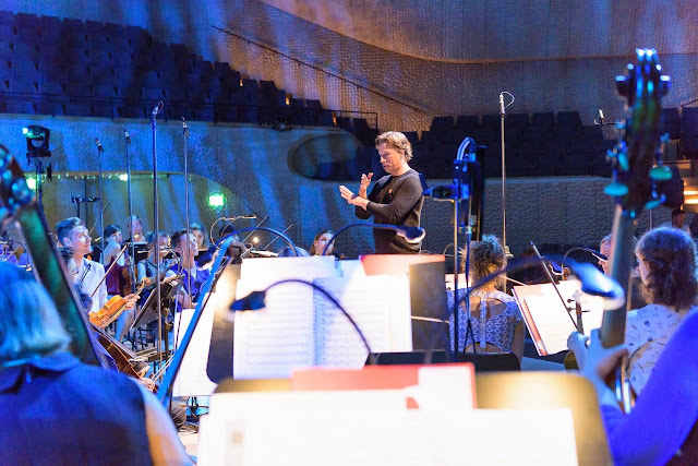 In rehearsal: Kristjan Järvi & Baltic Sea Philharmonic at the Elbphilharmonic (Photo (c) BMEF / Peter Adamik)