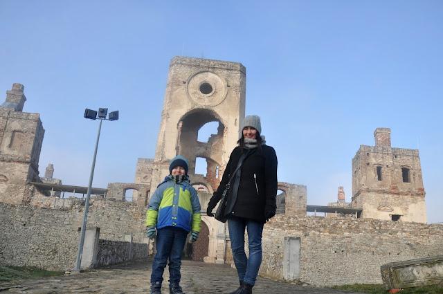 ujazd, krzyżtopór, zamek, ruiny