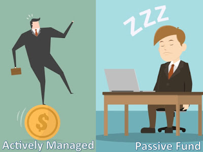 active fund manager dancing and passive manager dozing