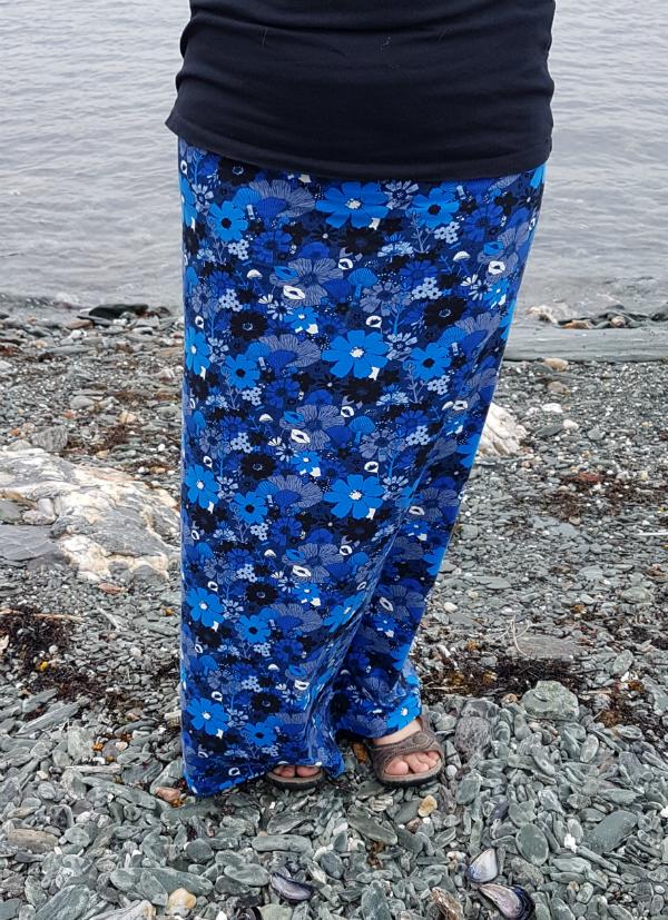 maxi skirt | DevotedQuilter.blogspot.com