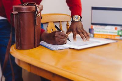 10 Tips Menerbitkan Buku Untuk Penulis Pemula