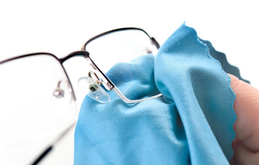Kokybiškai nuvalyti akinius actas