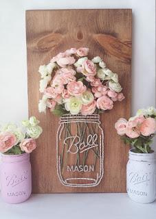 quadro con vasetto e fiori in string art