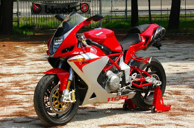 Bimota DB5 Red & White shades look