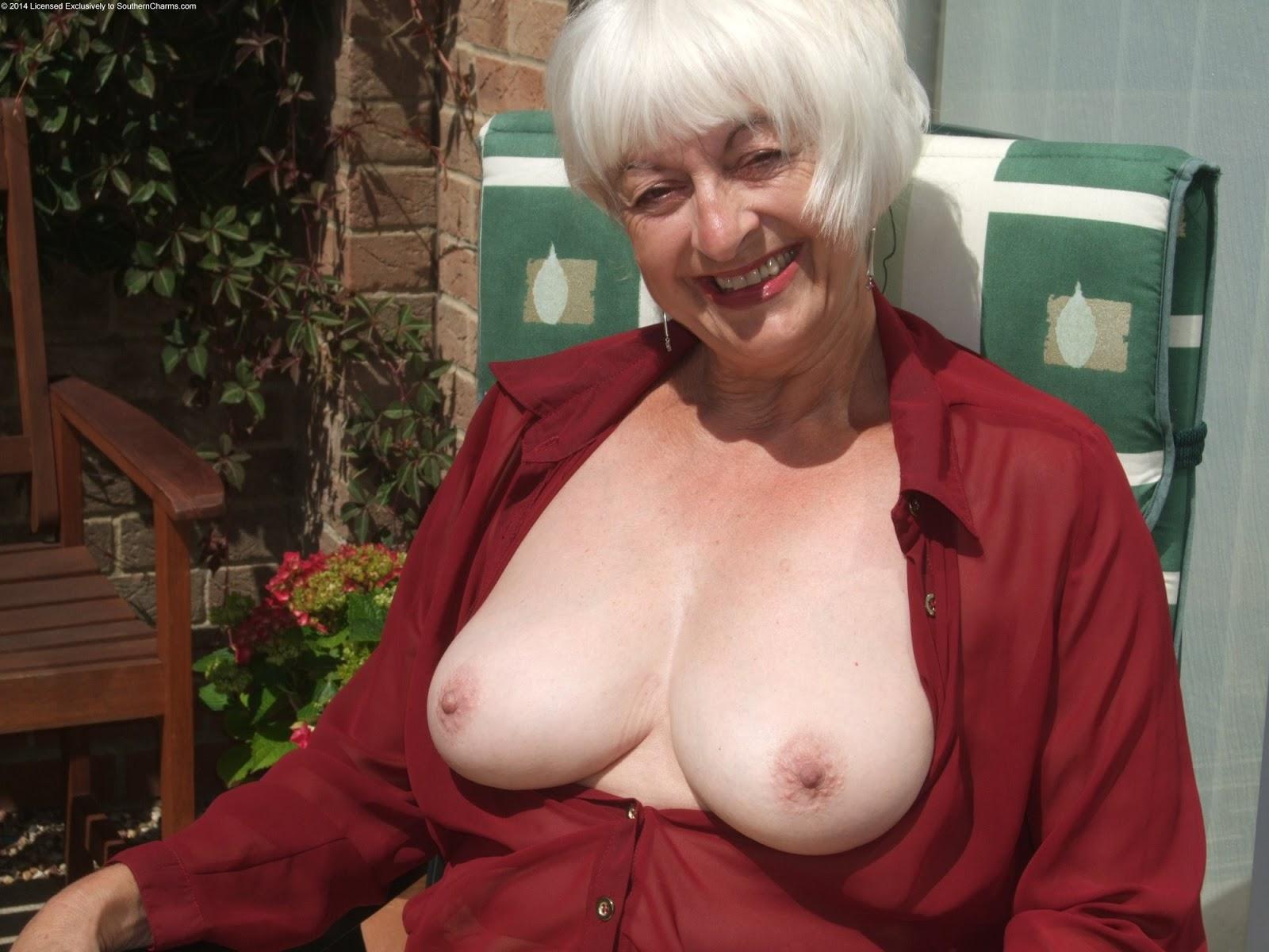 Nude pictures of stephanie szostak-6067