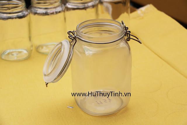 Hu vuong thuy tinh quai inox 1,5 lit