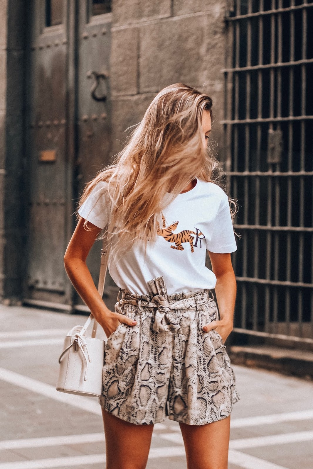 camiseta dior blanca