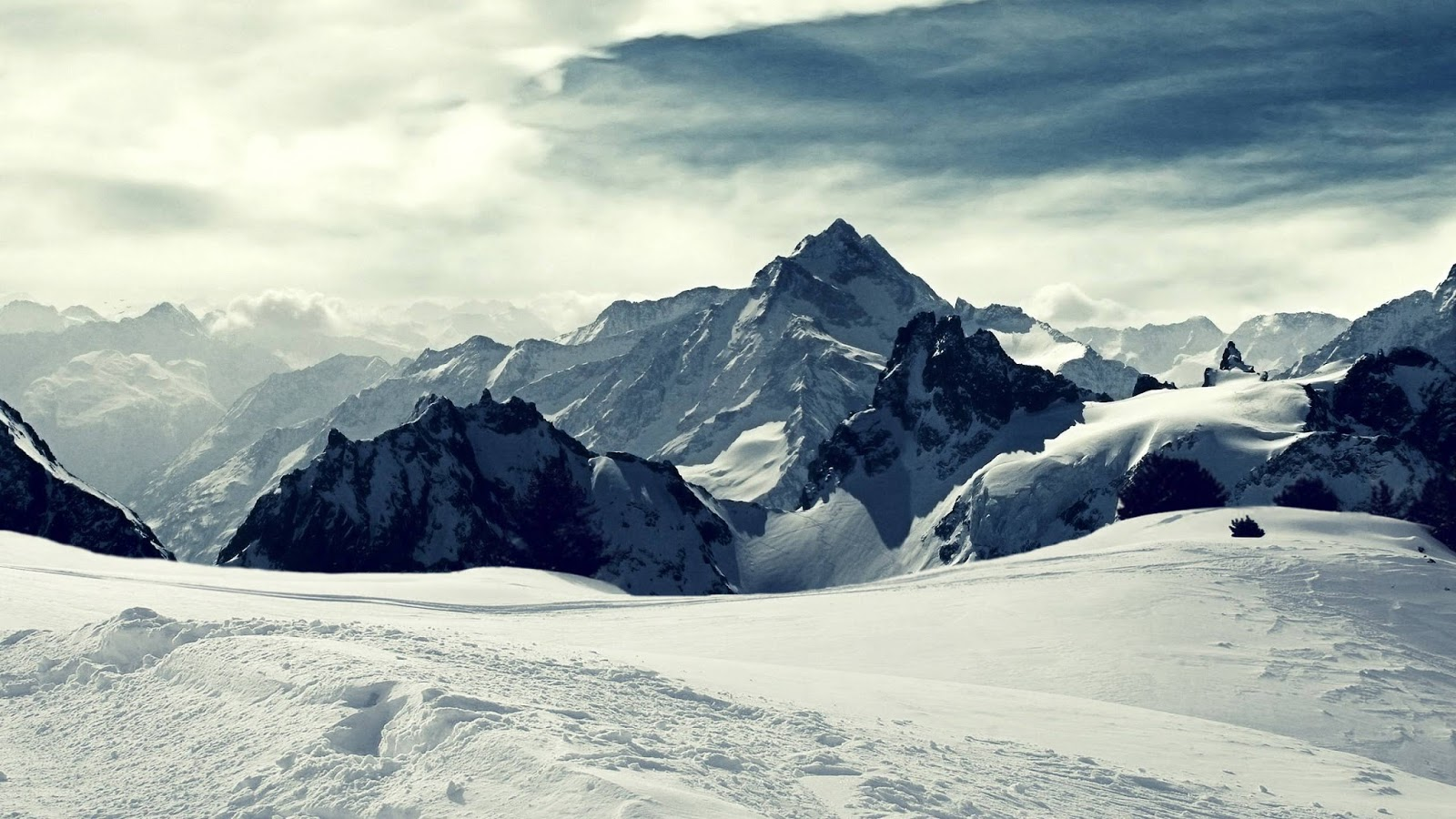 Snow mountain Wallpapers
