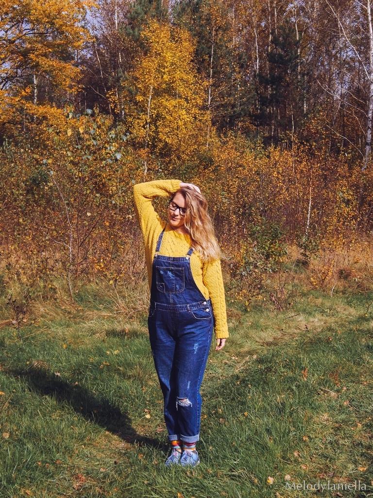 9 jeansowe długie ogrodniczki z czym nosić żółty sweter zakupy w primark ceny jakość daniel wellington opinie zegarki stylizacja minionek cosplay jeansowe buty łuków okulary zerówki blond fryzury