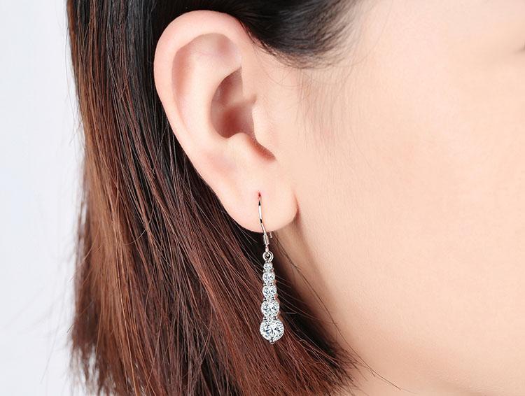 繁星鋯石耳環