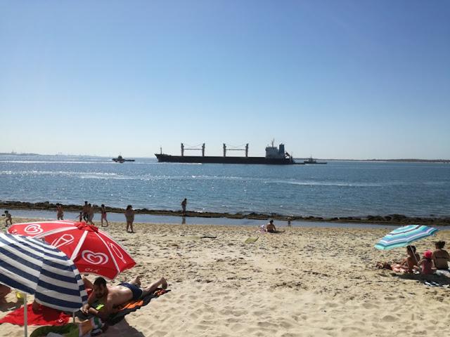 Cargueiro na Praia da Saúde