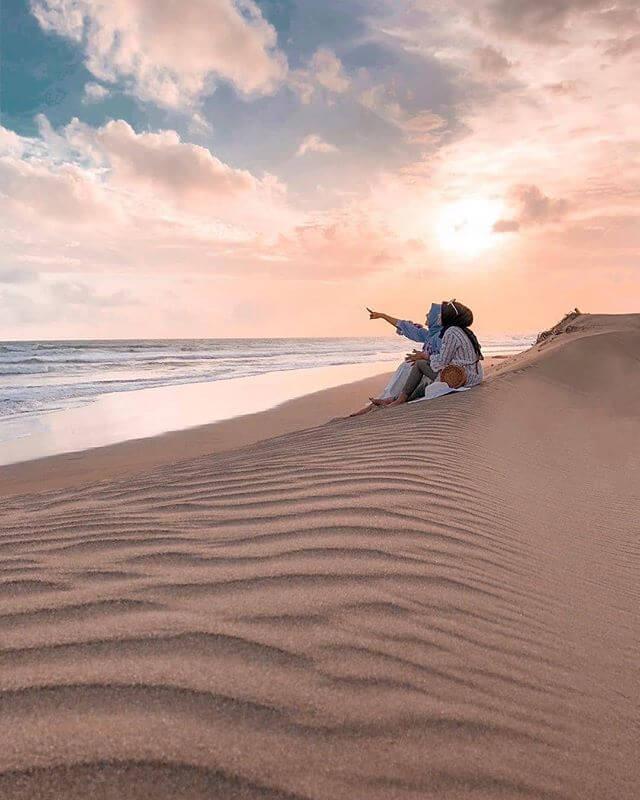 Pantai bikin tenang - Foto @taminangga dan @cikaa.ma