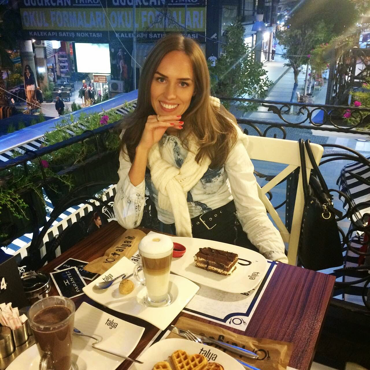 talya-cafe-antalya-turkey-balcony