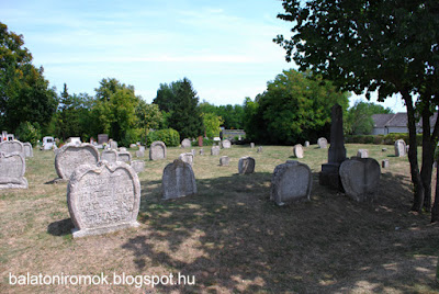 Balatonudvari temető sírkövei