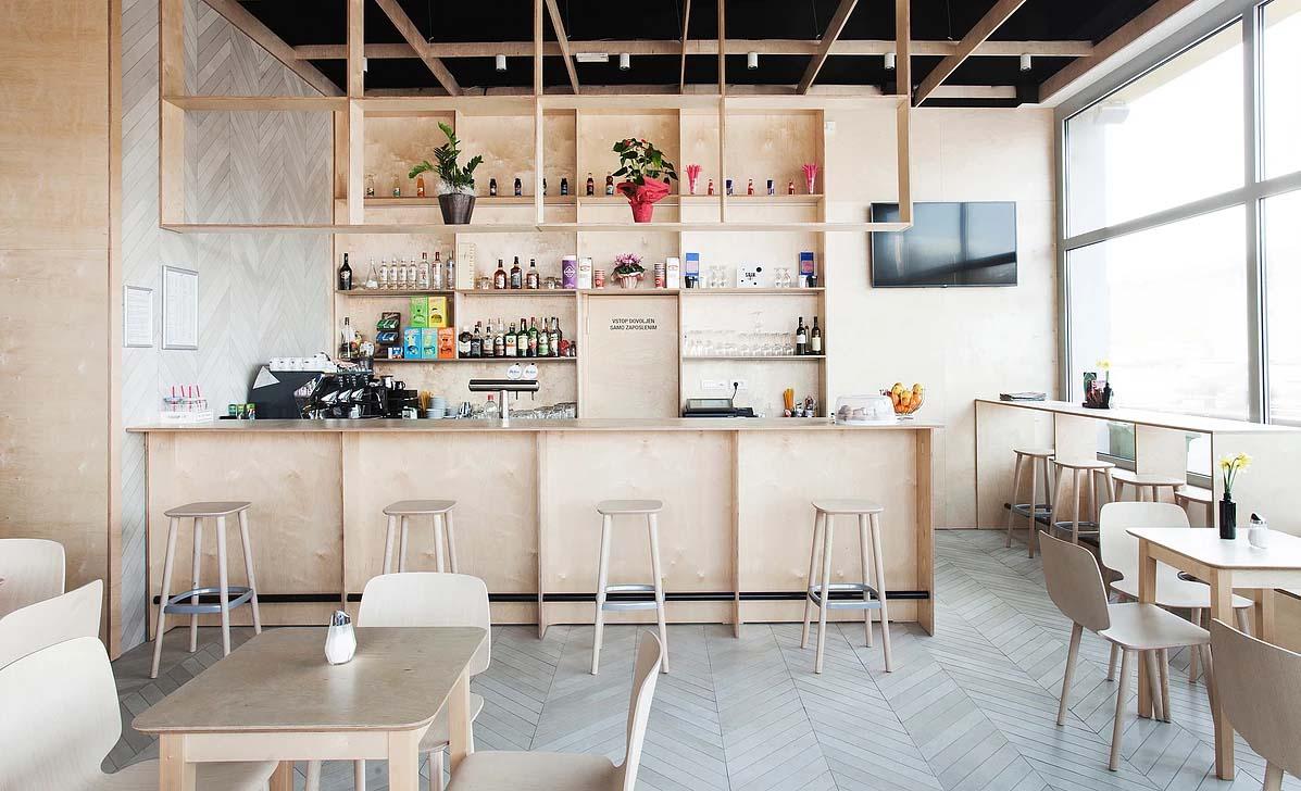 Arredi in compensato per questo spin bar in slovenia arc for Arredi per bar