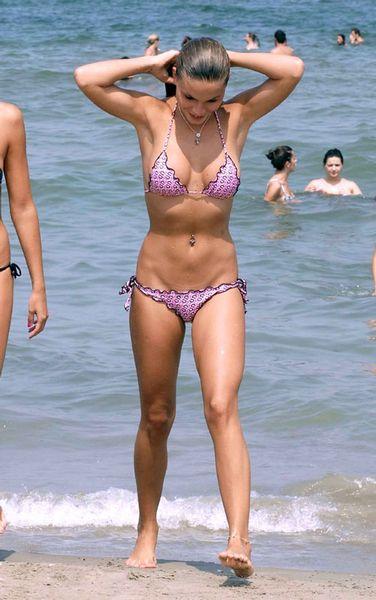 cast Bikini island
