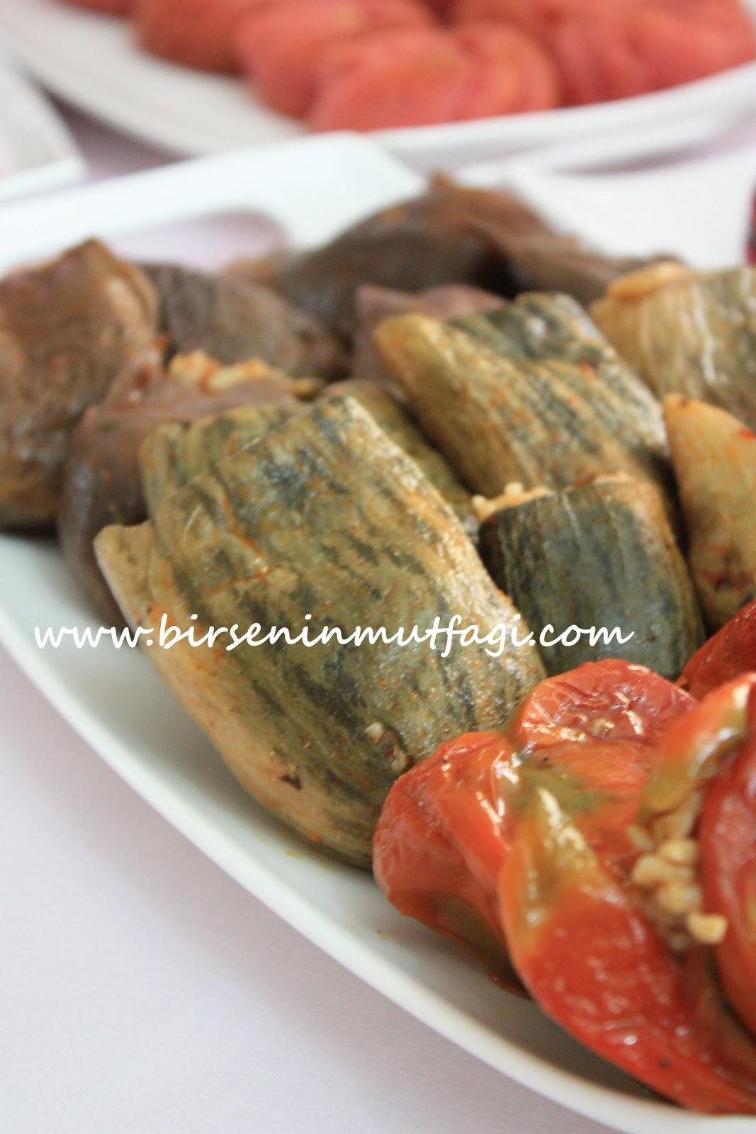 Patlıcanlı Kuru Biberli Meze Tarifi