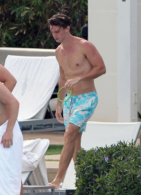 The Stars Come Out To Play: Patrick Schwarzenegger - New