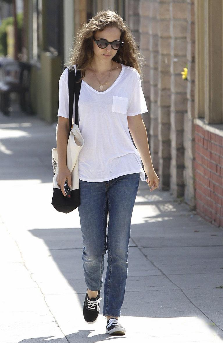 Street Style Celebrities: Natalie Portman