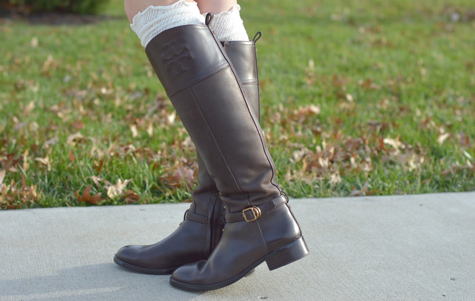 tory burch boots with boot socks