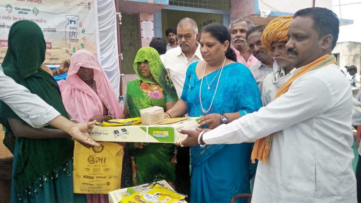 जाति प्रमाण पत्र के आधार पर हर महिला को मिलेगा उज्जवला गैस कनेक्शन का लाभ-Based-on-caste-certificate-every-woman-will-get-the-benefit-of-Ujjwala-Gas-connection
