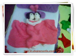 Dapur Arfa Naughty Cake for Wedding Anniversary