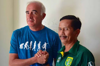 Gomez Minta Pemain Persib Segera Fokus Lawan PSM, Djanur Mengaku Kaget Persebaya Menang