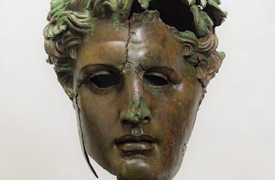 Αποκατάσταση ενός μνημειώδους χάλκινου γλυπτού του Δημητρίου του Πολιορκητή