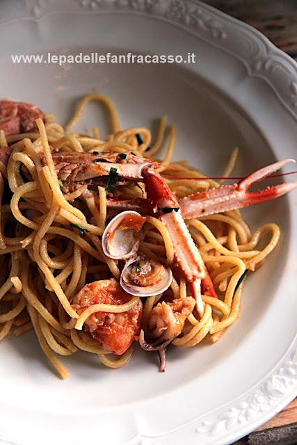 spaghetti alla chitarra con sugo di pesce