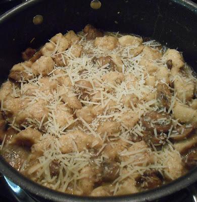 Chicken-Mushrooms-Garlic- White-Wine-Sauce11
