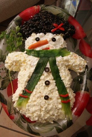 Decorazioni Natalizie Per Insalata Russa.L Arzdoureina Pupazzo Di Neve Di Insalata Russa