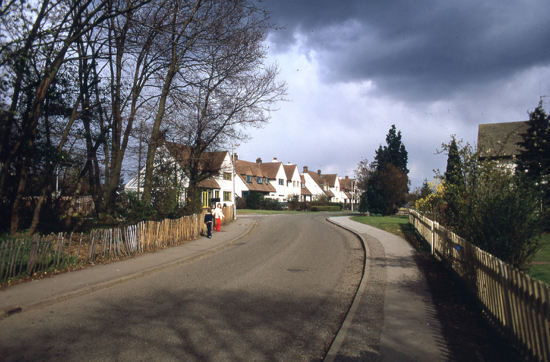 Photograph of Moffats Lane, Brookmans Park in the 1980s - Image from the NMLHS