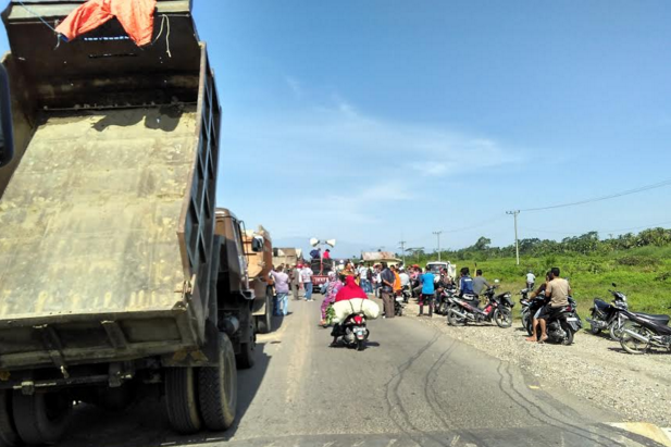 Massa Aceh Utara Demo PT Pertamina Hulu Energi