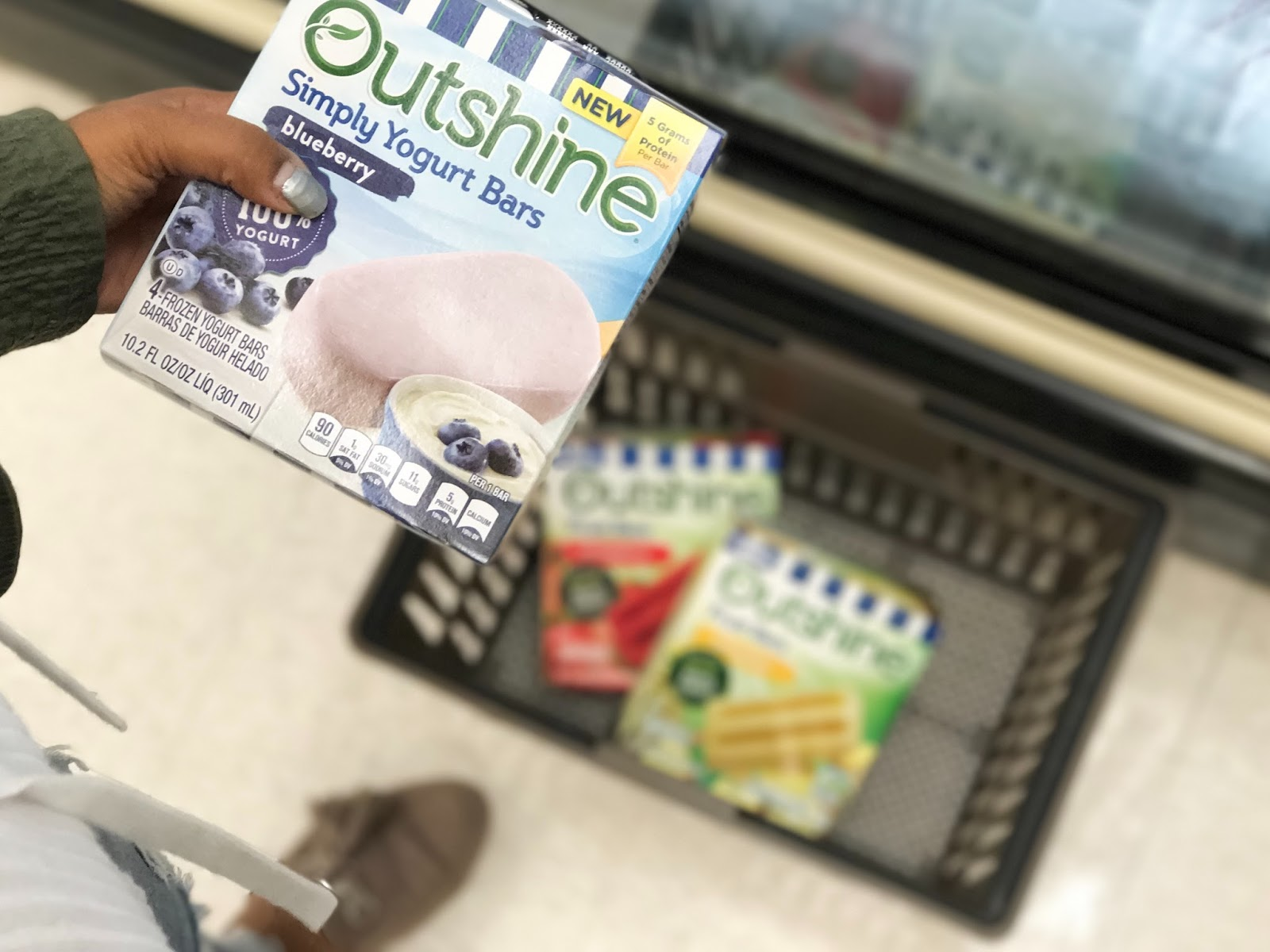 Outshine, snacks, ice cream yogurt, healthy snack ideas, healthy frozen snacks Outshine at Giant, blueberry