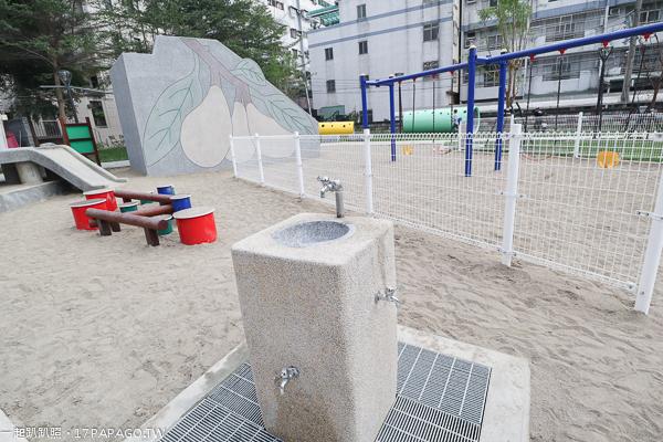 台中太平|太平兒1公園|12感官遊具|復古磨石子枇杷溜滑梯|沙坑沙桌|近太平買菸場