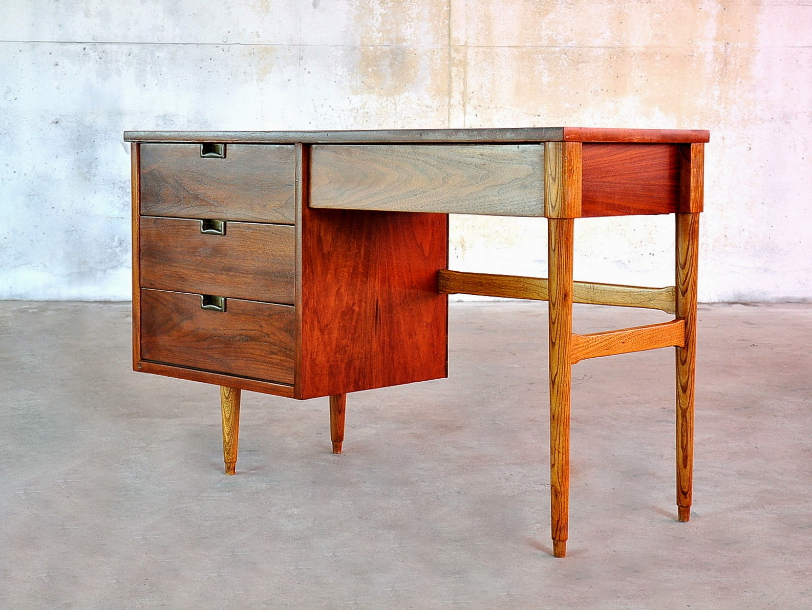 Select modern mid century modern desk or vanity table - What is mid century modern ...