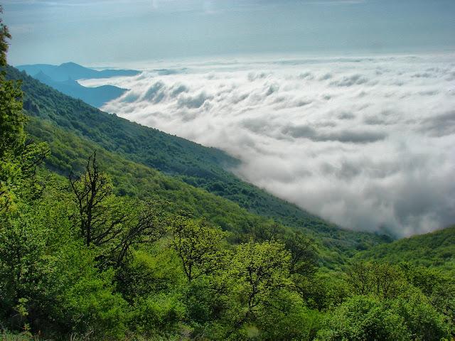 Утренние облака на перевале Каллистон