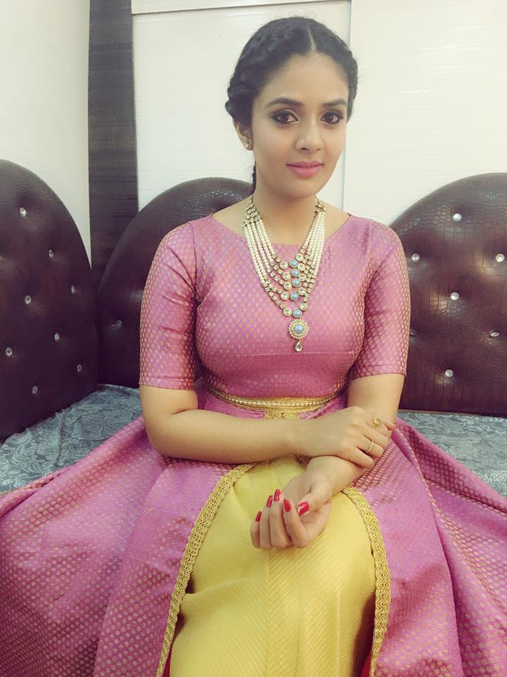 Tv Anchor Sreemukhi Stills Maroon Designers outfits