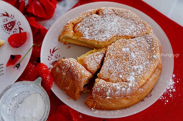 Κέικ Μήλου με Γιαούρτι