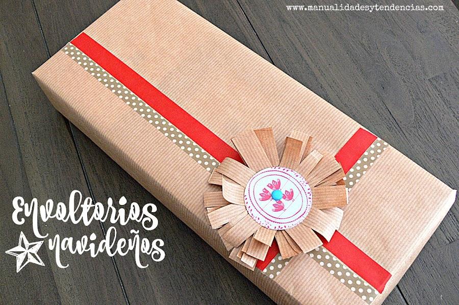 Envoltorio navideño con flor de papel kraft
