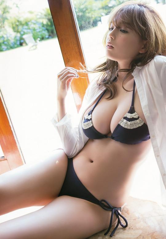 Gái Hàn Quốc ngực đẹp căng tròn
