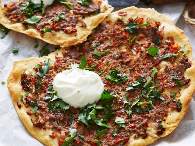 Crispy turkish lamb pizzas