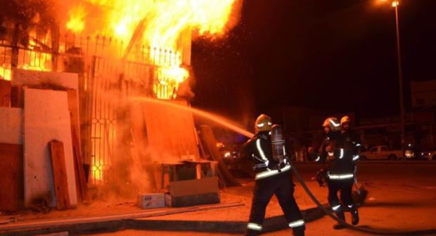 عااجل: النيران تلتهم ثلاث محلات دفعة واحدة بأكادير، وحالة من الاستنفار تعقب الحادث.