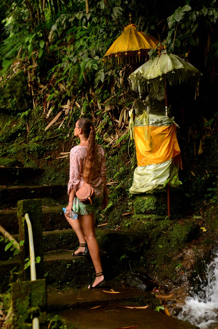 Gitgit twin waterfalls, Tamara Chloé, Bali, Indonesia, Chloe bag, Hiking trail waterfalls
