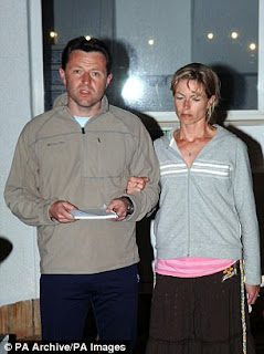 Blacksmith Bureau: Shambles Time (The 'No Extradition' strategy) 3F55C0CA00000578-0-Gerry_McCann_with_his_wife_Kate_gives_a_statement_to_the_press_i-a-38_1493494082361