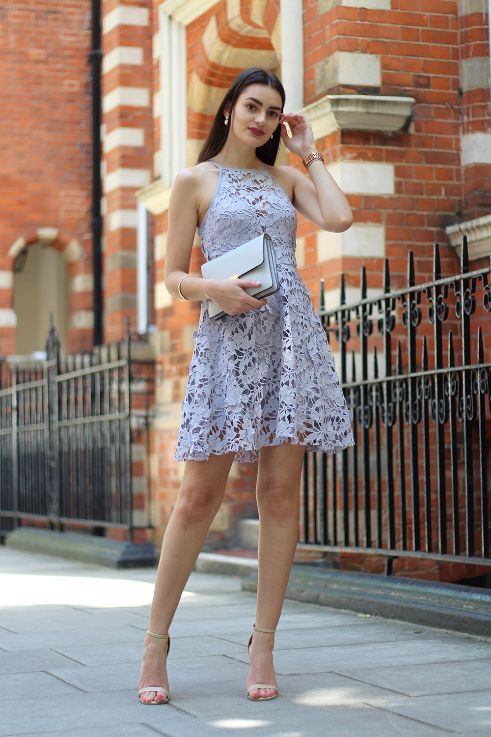 5 things to consider when buying your wedding guest outfit