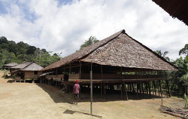 Rumah Adat Maluku (Rumah Baileo)